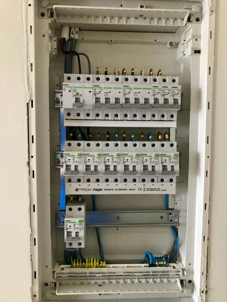 Elektrikilp kaitsmetega paigaldus